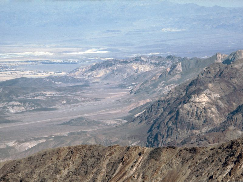 Death_Valley,19820817,Dante's_View,to_North.jpg