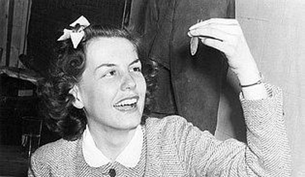 In April 1939, University of Missouri School of Journalism student Marie Hensen became the first woman widely known to join the goldfish swallowing craze.