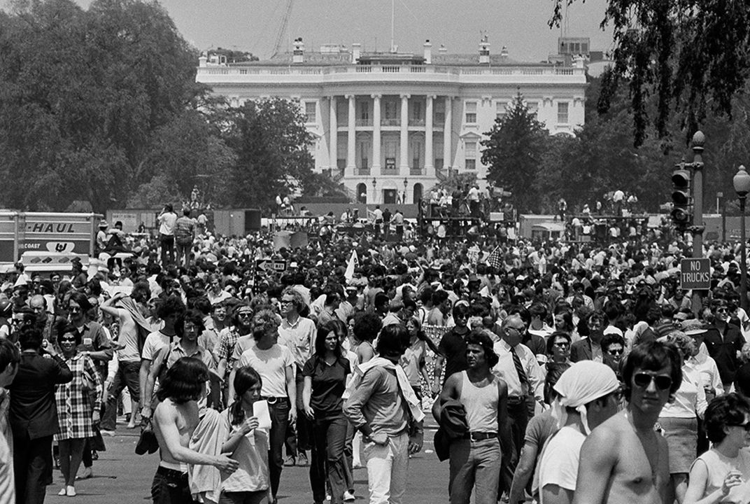 the protest marches in 1960 history essay Naacp protest, memphis, tn, early 1960s african americans protest against the vietnam war during the harlem peace march, 1967 10,000 people jammed into hartford's bushnell park with one goal: to stop the war in vietnam the demonstration go down in the city's history as the single largest.