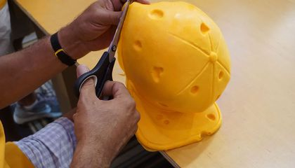 Image: How to make your own Cheesehead in Milwaukee