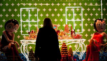 Key to Getting Holiday Shopping Right, Science Says, Is to Trust Your Gut