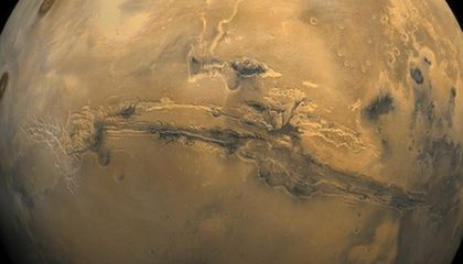Scientists Discover That Mars is Full of Water
