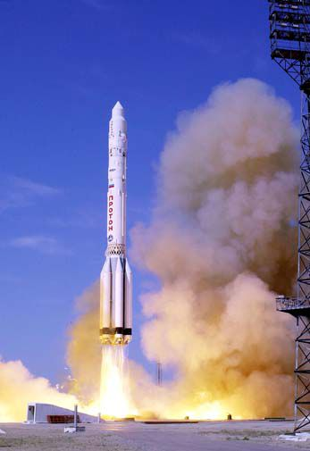 Proton rocket launch-505.jpg