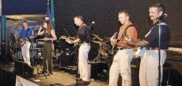 Astronaut-Band-Flash-FM09.jpg