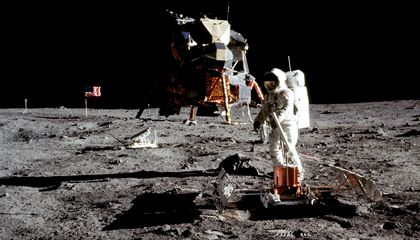 The Best Books About the Apollo Program and Landing on the Moon