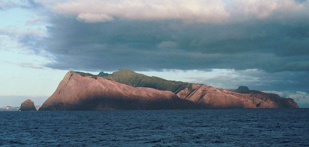 Islands-Robinson-Crusoe-Island-Chile-631.jpg