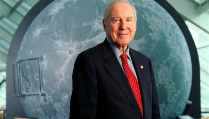 Jim Lovell, From Carriers to the Moon