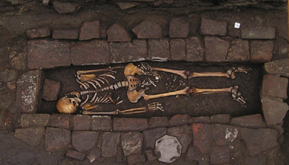 Rare Case of 'Coffin Birth' Seen in Medieval Grave