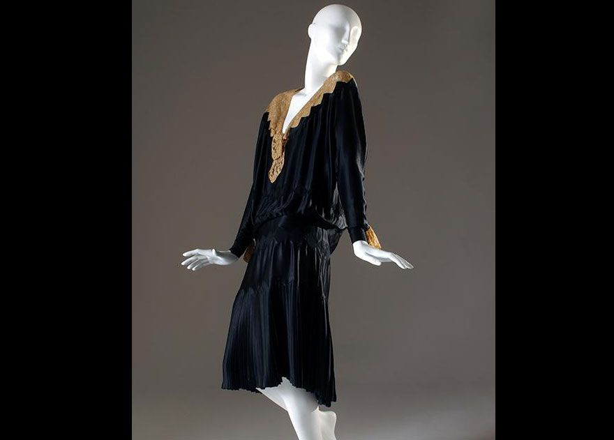Why Coco Chanel Created The Little Black Dress Smart News Smithsonian Magazine