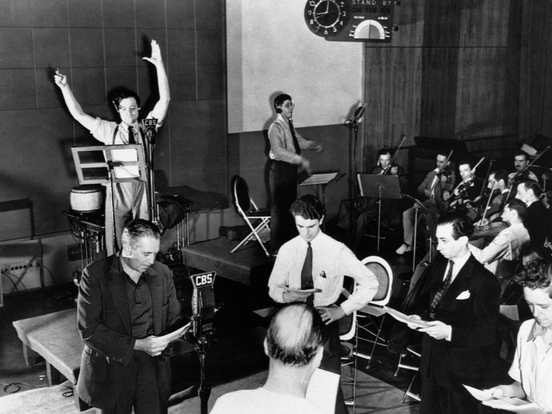 The Infamous War Of The Worlds Radio Broadcast Was A Magnificent