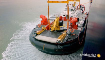 Lifting an Unwieldy 75-Ton Hovercraft Out of the Water
