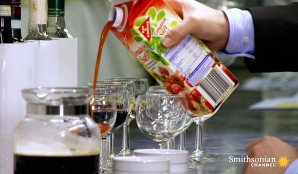 Preview thumbnail for video'Why Tomato Juice Tastes Better at 37,000 Feet