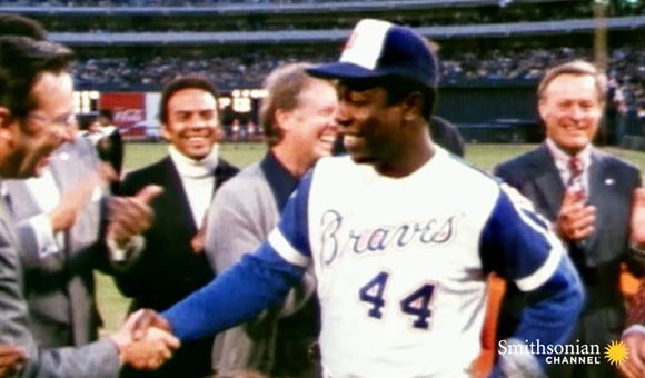 Preview thumbnail for video'Hank Aaron's Boundary-Shattering 715th Home Run
