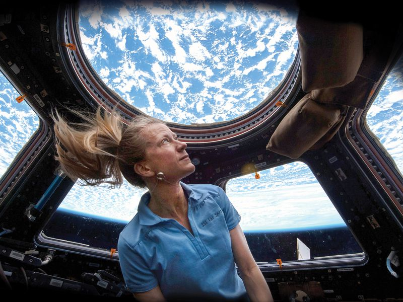 Karen Nyberg in ISS cupola