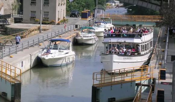 Preview thumbnail for video'Take a Tour of New York State's Leadership in Canals and Transportation