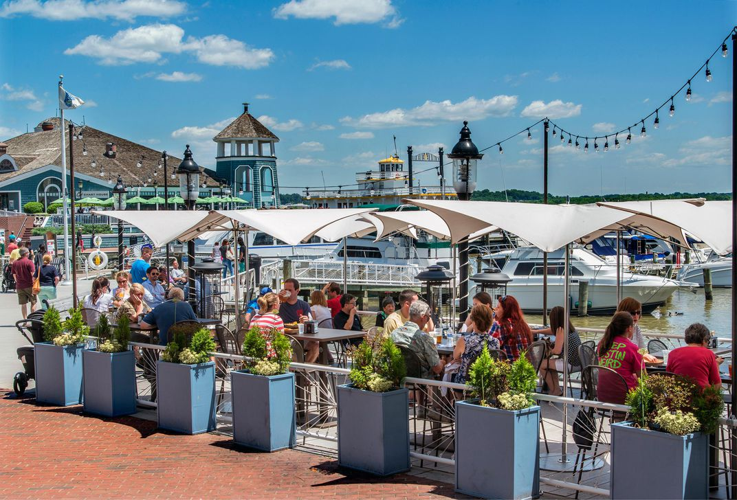 Best Family Restaurants With Boston Harbor View