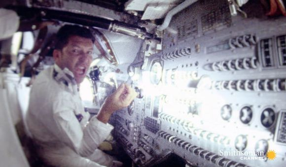 Preview thumbnail for video'How the Common Cold Affected the Crew of Apollo 7