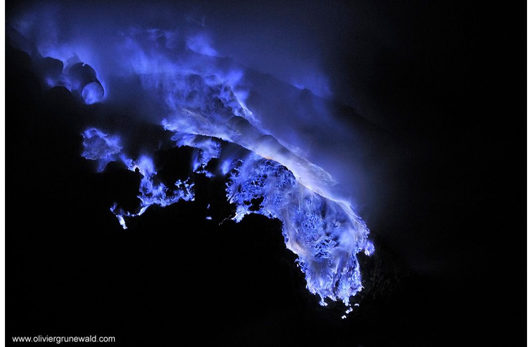 Why Does This Indonesian Volcano Burn Bright Blue Science - Incredible neon blue lava flames erupt volcano