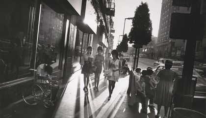 Garry Winogrand's Photographs Capture  'America's Busy, Teeming, Intricate Whirl' After World War II