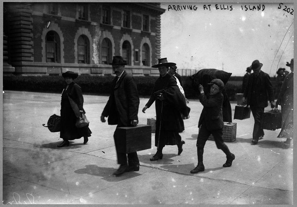 The Centuries Long Squabble Over Who Owns Ellis Island Smart News Smithsonian Magazine