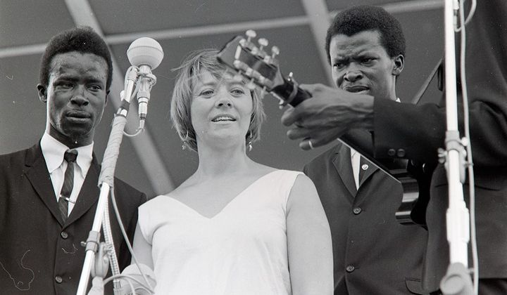 Barbara Dane with the Chambers Brothers at the 1965 Newport Folk Festival. (Photo by Diana Davies, Ralph Rinzler Folklife Archives)