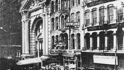 The Iroquois Theater Disaster Killed Hundreds and Changed Fire Safety Forever