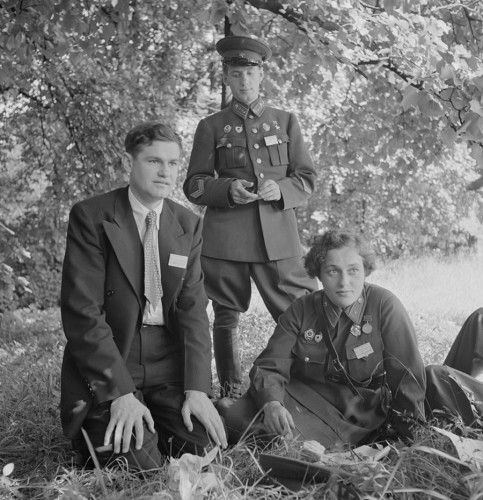 Russian delegates accompany Pavlichenko (right) on her visit to Washington, D.C. in 1942.