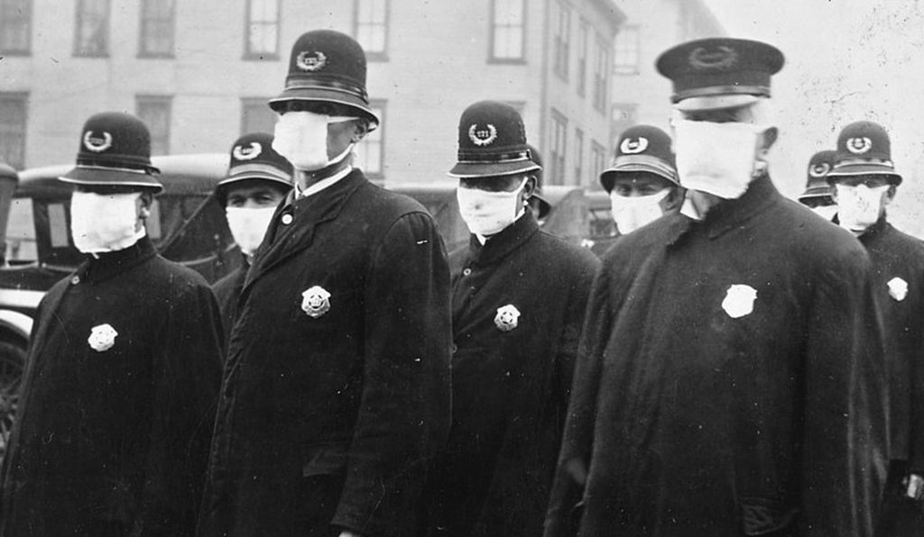 Seattle police officers wearing masks in 1918