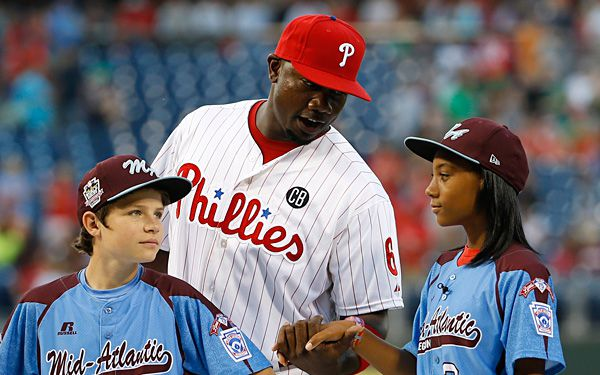 Little Leaguers meet Big Leaguers in Phila.