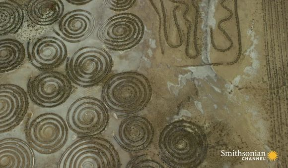Preview thumbnail for video'What Created These Strange Geoglyphs in South Africa?