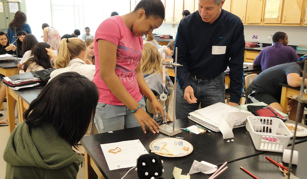 Retired mechanical engineer, Alan Rubin, is one of 165 STEM professionals volunteering in K-12 classrooms across the Washington metropolitan area. The program is run by the American Association for the Advancement of Science and its affiliate, Senior Scientists and Engineers.