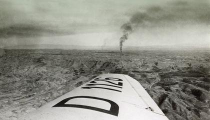 In the 1930s Middle East, Airplanes Helped Open the Oil Fields