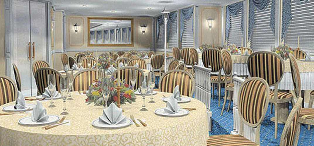 Volga Dream dining