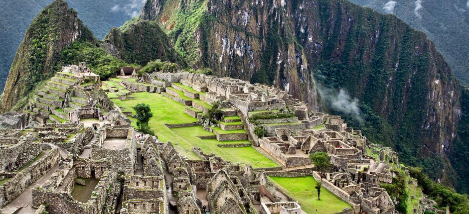 Machu Picchu and the Galápagos <p>Visit the mystifying ruins at Machu Picchu then travel to the fascinating Gal&aacute;pagos Islands to observe abundant wildlife, including giant tortoises, Blue-footed Boobies, and sea lions.</p>