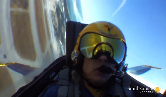 Preview thumbnail for video'Blue Angels: Daredevil Entertainment at 700 mph