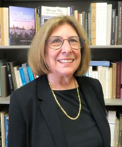 photo of Joanne Ferraro