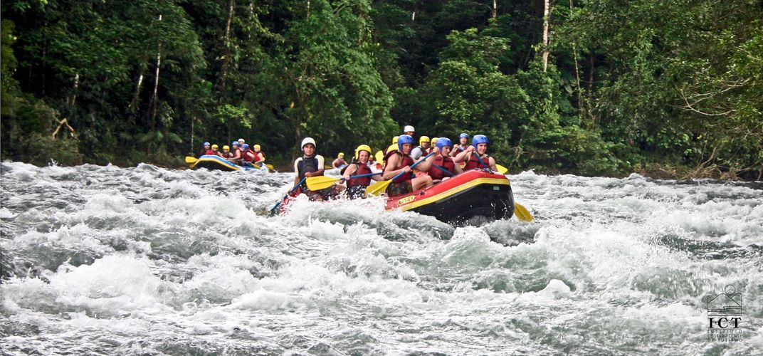 Rafting a river in Costa Rica. Credit: Costa Rica Tourism