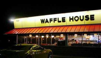 How Waffle House Uses Twitter to Help Recovery Efforts