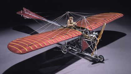 You Think Your Model Airplane Collection is Big? The Smithsonian Has More Than 4,000
