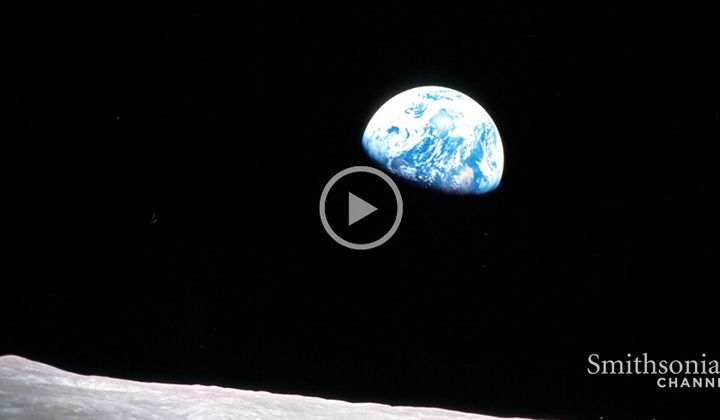 "Apollo 8 Astronaut Took the ""Earthrise"" Photo"