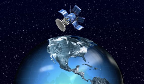Preview thumbnail for video'Ask Smithsonian: What Keeps Satellites From Falling Out of the Sky?
