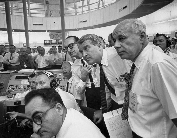 VonBraunMuellerReesSA6_watch launch from firing room.jpg.jpeg