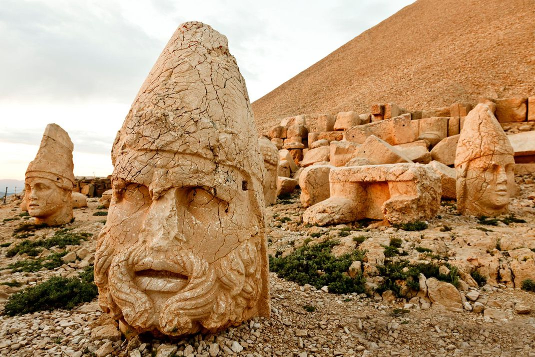 Five colossal stone portraits around the world travel