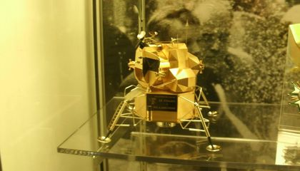 Thieves Steal Solid Gold Lunar Lander Model From Armstrong Museum