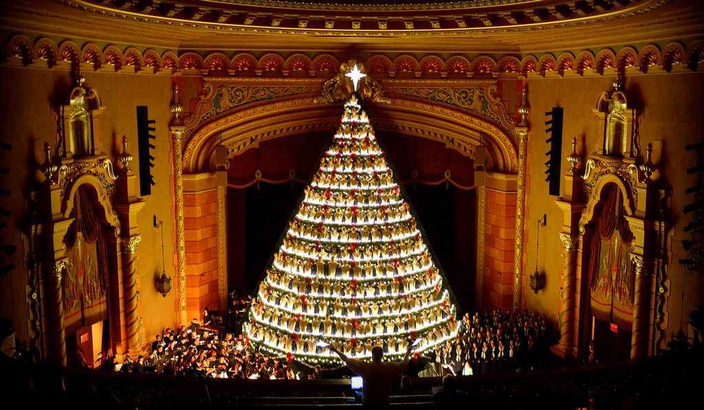 Singing Christmas Tree Orlando.Seven Places Reinventing The Christmas Tree Travel