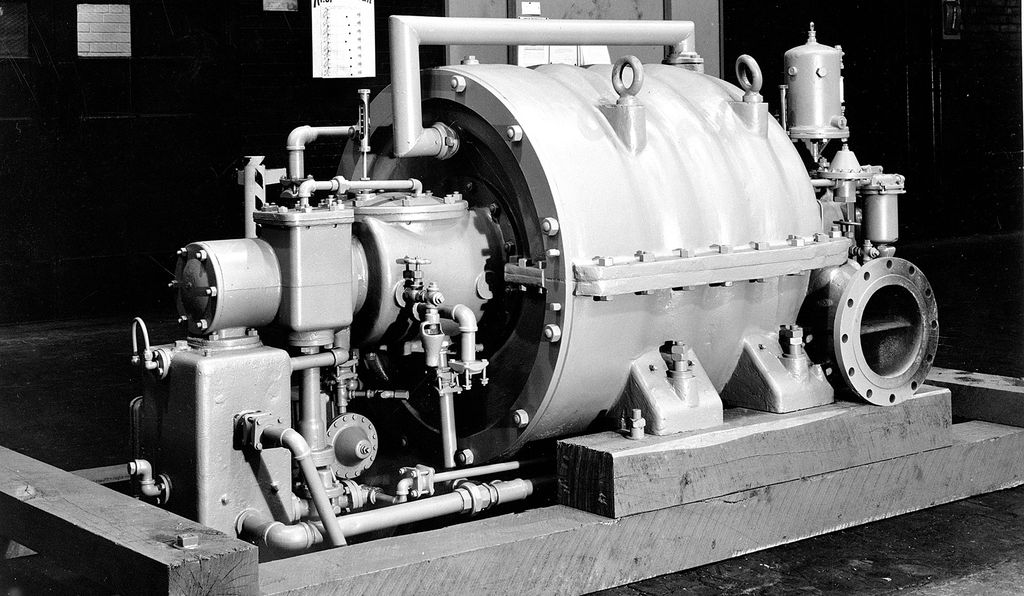 In his effort to improve mechanical air-conditioning systems, Willis Carrier (1876-1950) introduced the first practical centrifugal refrigeration compressor in 1922 (above: from the collections of the Smithsonian's National Museum of American History).