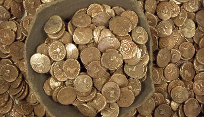 Hoard of Gold Coins Found in California