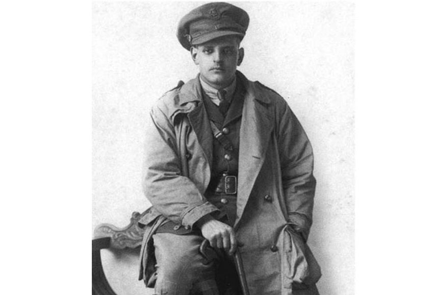 The classy rise of the trench coat history smithsonian higher ranked military officers wore trench coats and were responsible for outfitting themselves art of manliness gumiabroncs Images