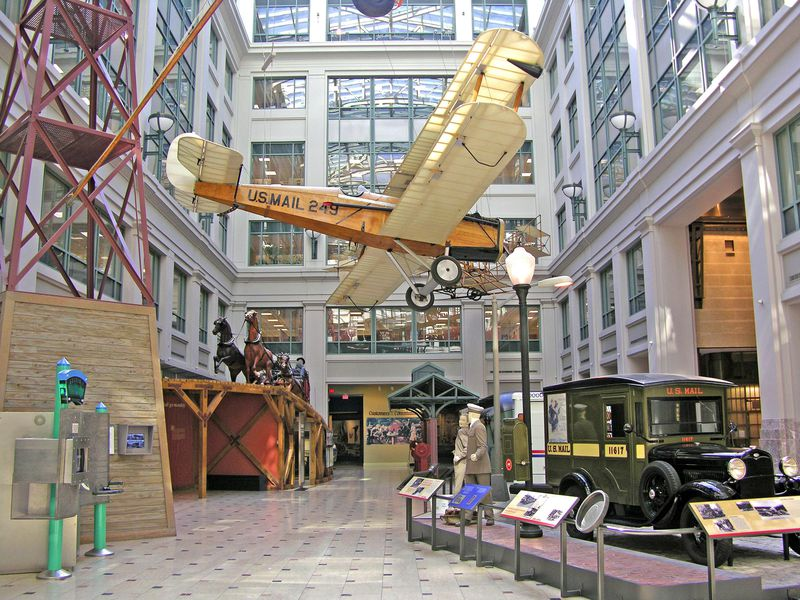 This de Havilland DH-4B, hanging at the National Postal Museum, was an airmail workhorse.