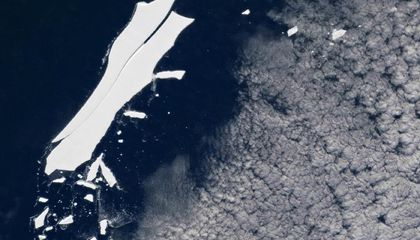 World's Largest Iceberg Is Melting Away After 18 Years Adrift